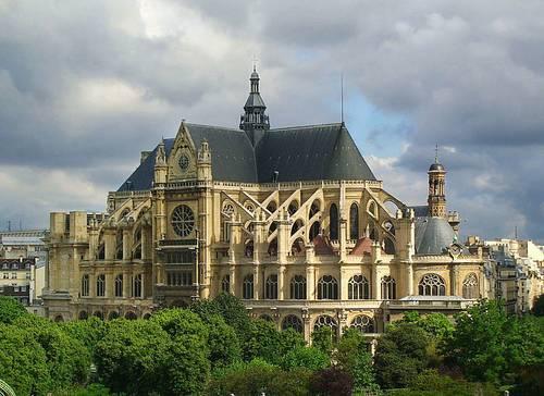 Recrute guides bénévoles logés/nourris - Basilique de Blois - H/F