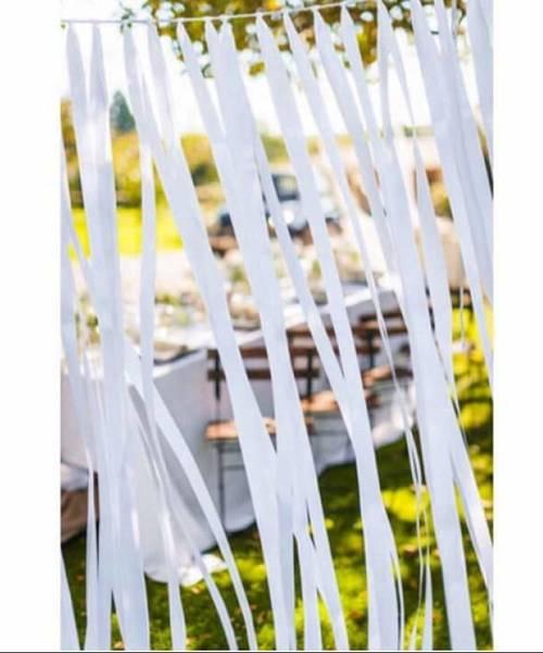 Rideau de rubans en satin blanc