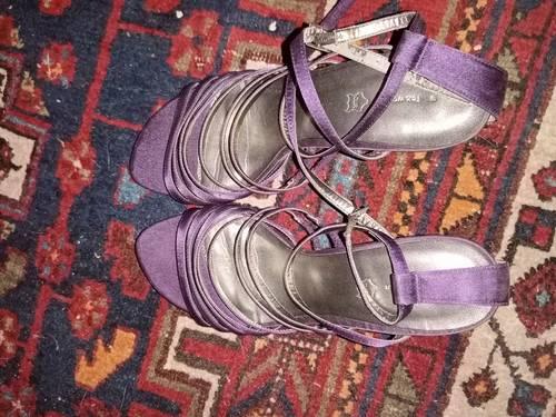 Sandale à talon taille 40