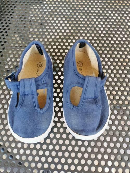 Sandales bleues pointure 22