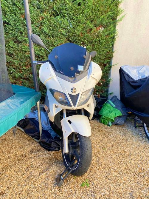 Scooter Nexus Gilera 125- Année 2011- 27840km