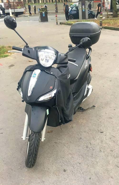Scooter Piaggio Liberty 125noir mat - 1900km - 2019