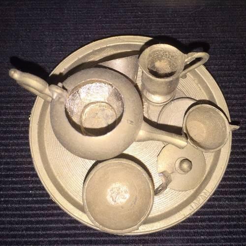 Service à thé miniature