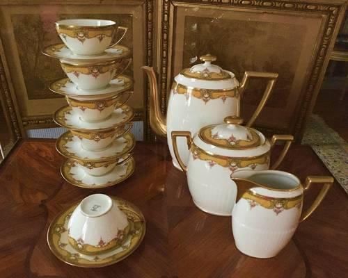 Service à thé en porcelaine signé J. B. T & Cie Limoges