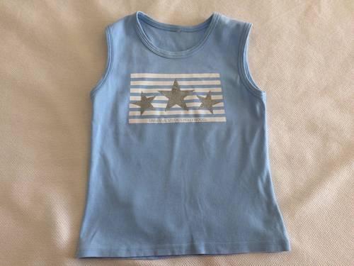 T-shirt bleu ciel avec étoiles argentées taille XS