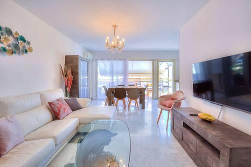 Loue Spacieux appartement 3pièces parking à 300mètres des plages à Juan-Les-Pins - 5couchages, Antibes (06)