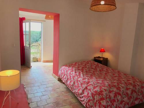 Loue un studio de charme de 35m² dans un superbe domaine viticole à Rognes - 1chambre