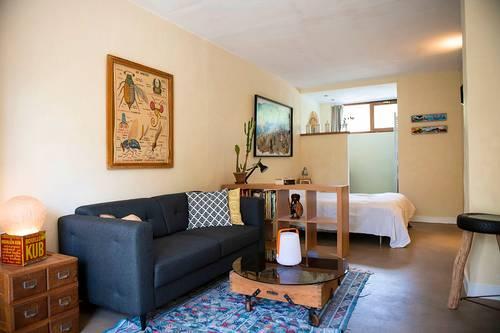 Loue joli studio pour courts séjours dans maison individuelle Tassin-la-Demi-Lune (69) - 2couchages