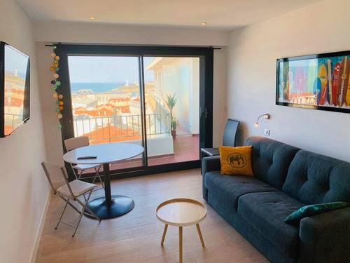 Loue studio 25m² impeccable avec balcon Biarritz (64) hyper-centre (HALLES)