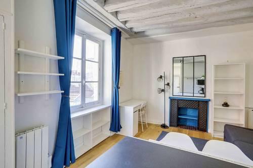 Loue studio meublé ensoleilé 20m² en plein coeur de Saint Germain des Près - Paris 6ème