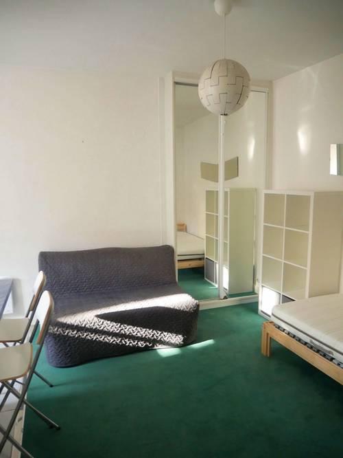 Loue un studio meublé à Versailles St Louis - 19m²