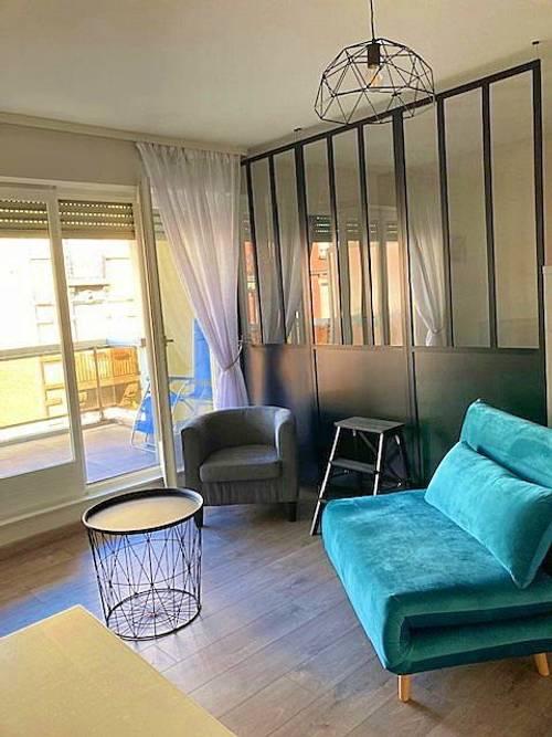 Loue Studio Strasbourg Orangerie avec terrasse pour 2ou 3personnes
