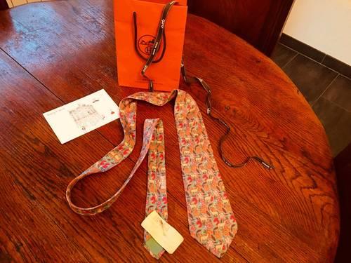 Superbe & authentique cravate vintage HERMES. TB état