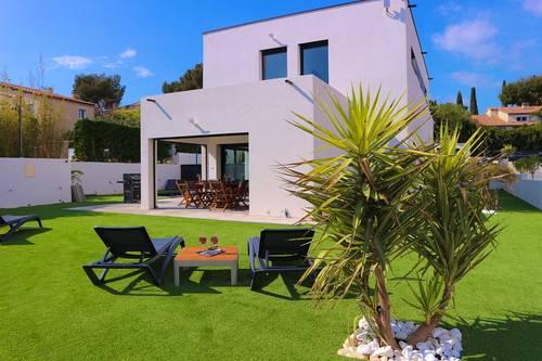 Loue superbe villa neuve à Bandol 8couchages