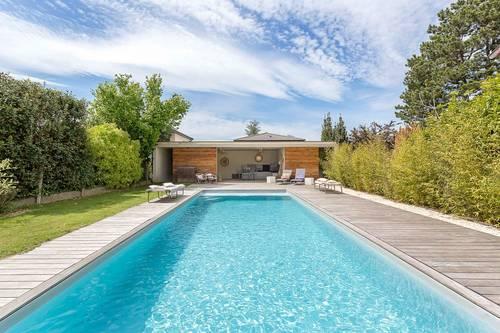 Propose Superbe villa / piscine / 10personnes / 10minutes Place Bellecour - Sainte-Foy-lès-Lyon (69110)