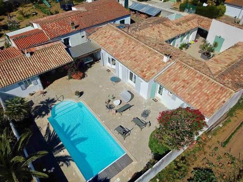 Loue superbe villa rénovée avec piscine à Ars-en-Ré - 5chambres 12couchages