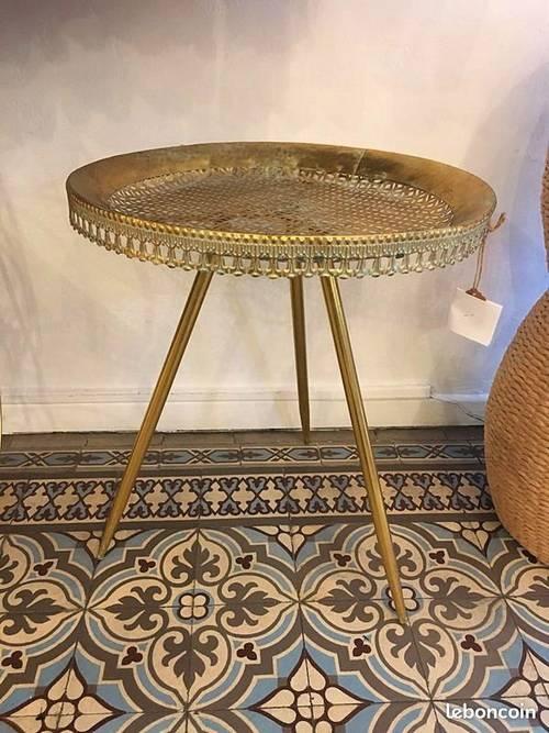 Table basse neuve J-line Jolipa métal doré style oriental asie vintage