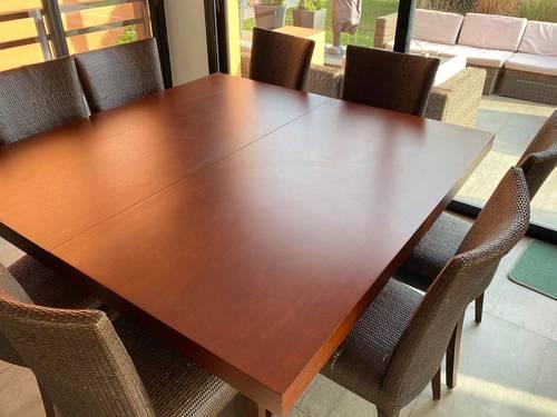 Table carrée en bois extensible