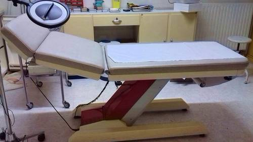 Table d'examen électrique