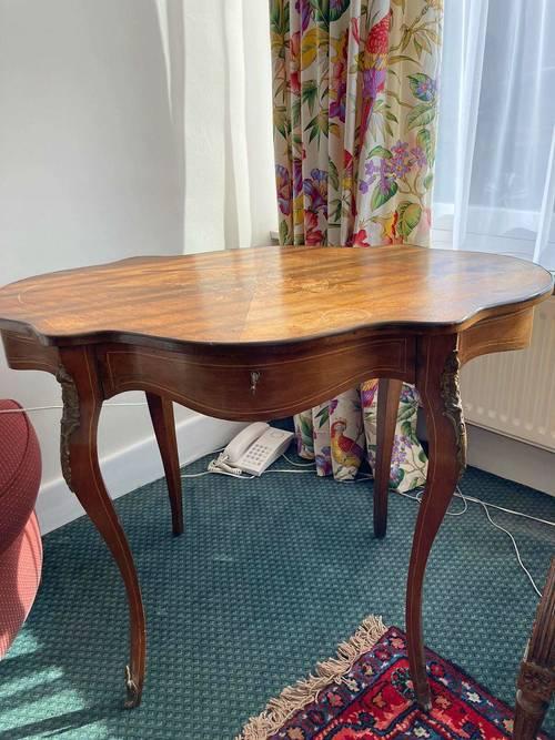 Table Louis XV