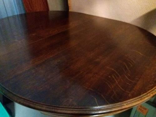 Table ovale d'ébéniste en chêne massif