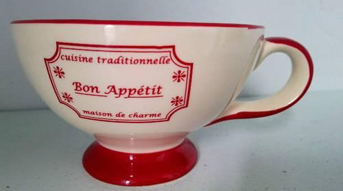 """1tasse rouge et blanche: """"Bon appétit!"""""""