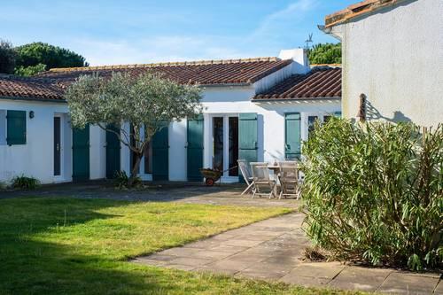 Loue traditionnelle maison de famille face au Golf, 16couchages - Les Portes-en-Ré (17880)