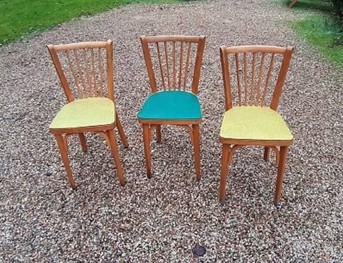 Trois chaises vintage BAUMAN
