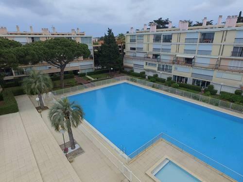 Loue 40m² rénové 4couchages à 10mn du port de St Tropez (83)