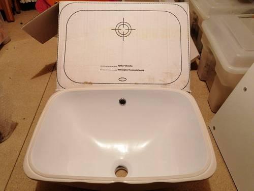 Vasque rectangulaire à encastrer sous plan de toilette