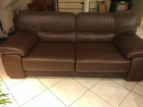 Vends canapé cuir marron et ses 2fauteuils