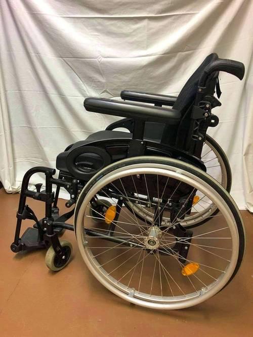 A vendre fauteuil roulant Quicklie Life dos fixe