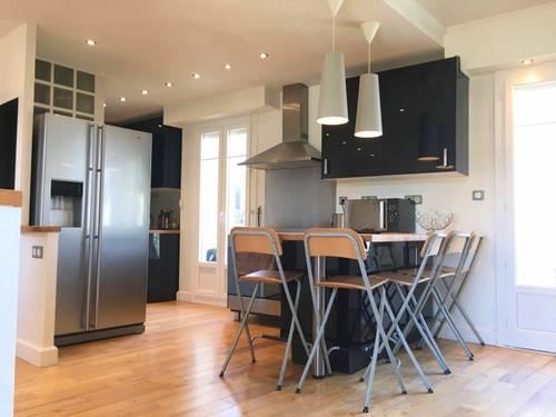 Vends appartement aperçu mer, vue montagne, 2terrasses, dernier étage - 70m² à Nice (06)