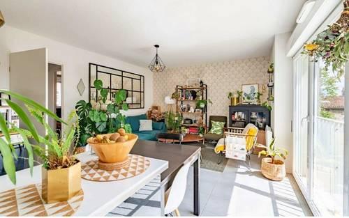 Vends Appartement 74m² T43chambres Bdx St Michel loggia parking