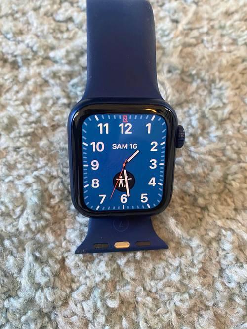 Vends Apple Watch 6très bon état