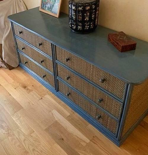 Vends armoire et commode en rotin bleues Vintage