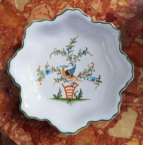 Vends assiette creuse en faïence de Moutiers Lallier