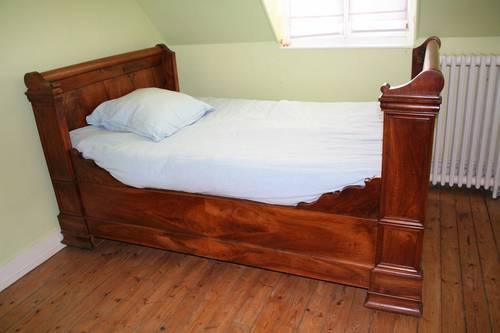Vends lit bateau ancien