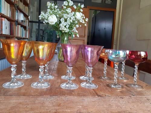 Vends 12très beaux verres anciens colorés