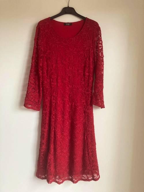 Vends belle robe rouge en dentelle - Taille M