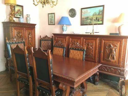 Vends belle Salle à manger Espagnole style Renaissance, très bon état