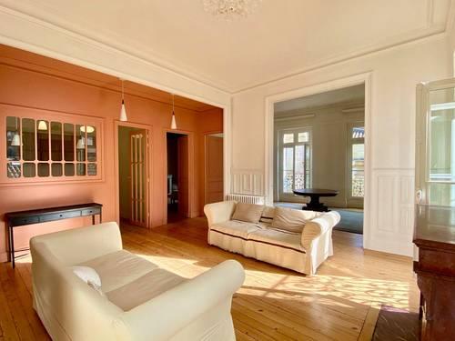 Vends Bordeaux centre Appartement d'angle rénové, parking, cave, 3ch - 123m²