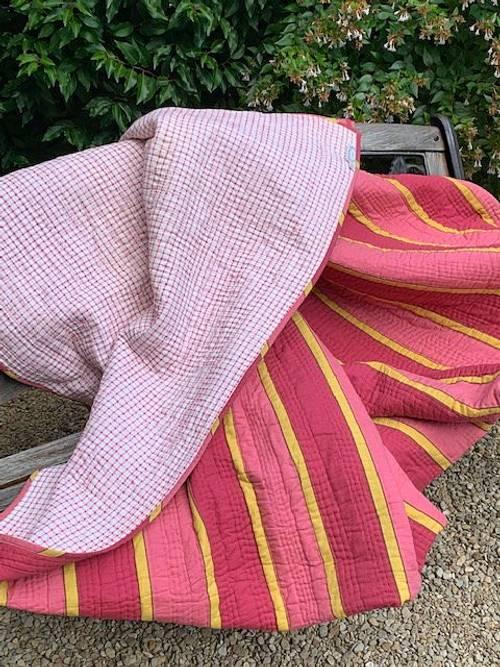 Vends Boutis 269x249, tout coton, rose/jaune, réversible vichy rose