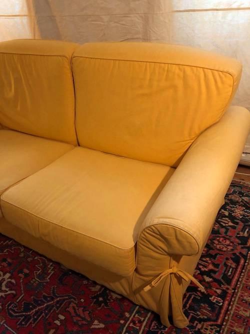 Vends Canapé convertible 3places jaune