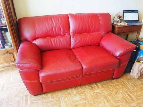 Vends canapé en cuir rouge - Bon état