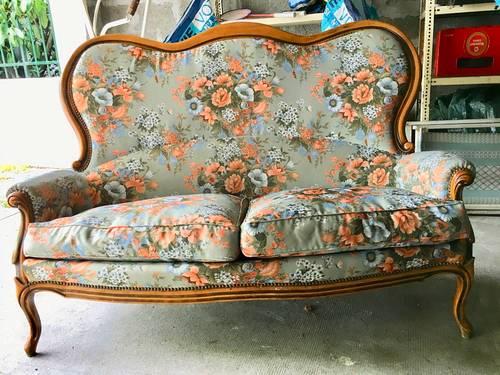 Vends canapé style Louis Philippe