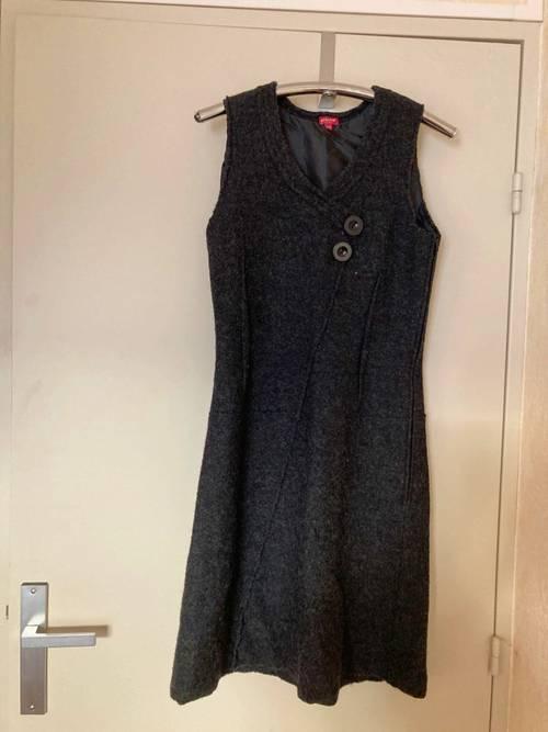 Vends robe chasuble Phildar gris foncée coupe très élégante - Taille S