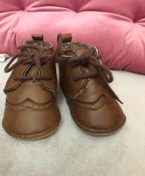 Vends chaussures pour bébé - Pointure 20