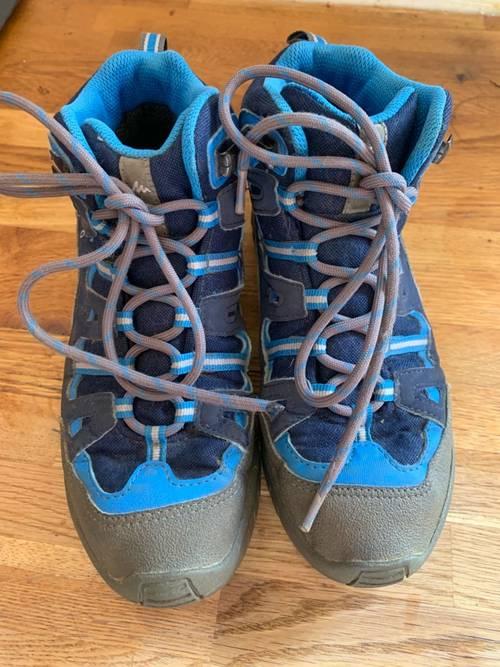 Vends chaussures de marche Décathlon T 35