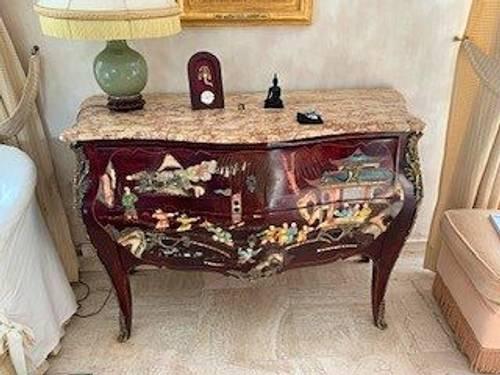 """Vends Commode """"sauteuse"""" style Louis XV à décor Chinois"""